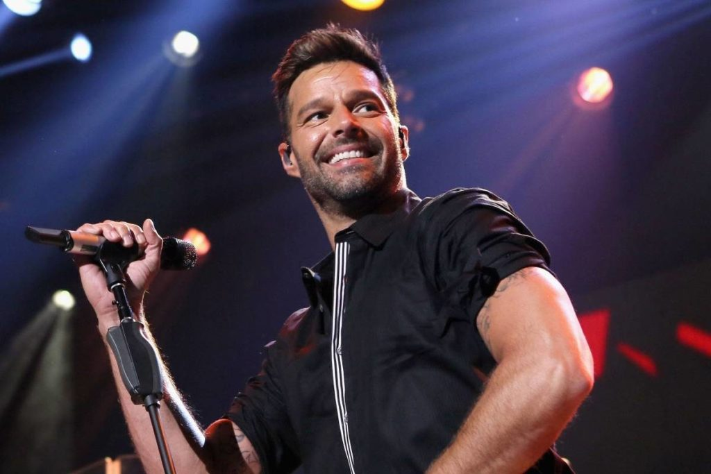 paquete a ricky martin